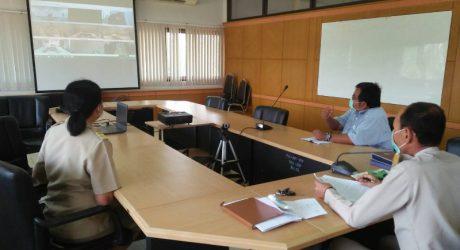 รับฟังการประชุมศูนย์ประสานการปฏิบัติภายใต้สถานการณ์การแพร่ระบาดของโรคติดเชื้อไวรัสโคโรนา 2019 (COVID-19) กระทรวงเกษตรและสหกรณ์